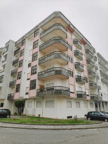 Apartamento T2 para arrendamento de longa duração