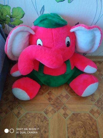 Большой розовый слон ждёт Вас