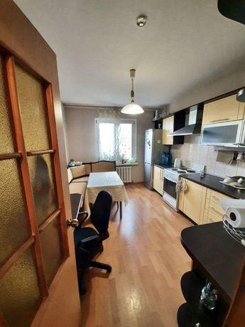 КИЕВ Срочно Севастопольская площадь 2 раздельные комнаты 62 кв м