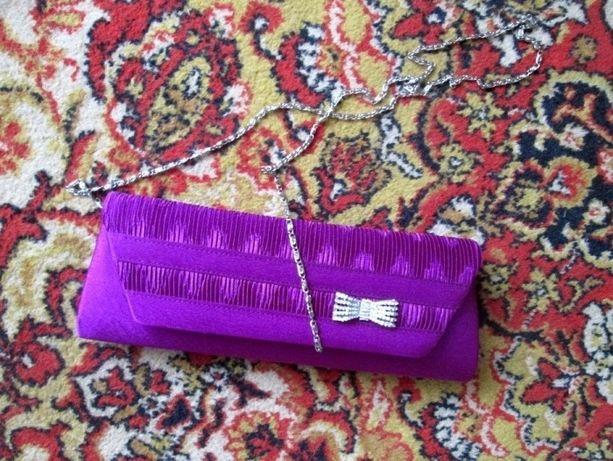 Фиолетовый атласный клатч