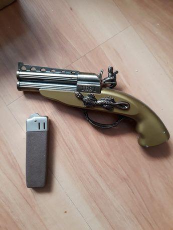 Зажигалки газовые пистолет и другая