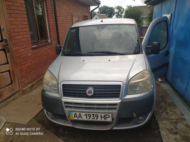 Машина Fiat Doblo (після ДТП)