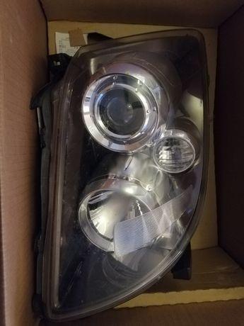 Lampa prawa Toyota Avensis t25 lift