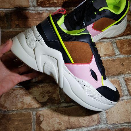 Легкие и стильные кроссовки Bershka 39р