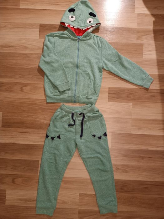 Dres spodnie bluza 5 10 15 rozm.122/128 Szczecin - image 1