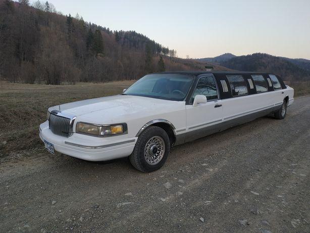 Лимузин линкольн таун кар