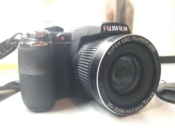 Фотоаппарат Fujifilm FinePix S4000 + подарок
