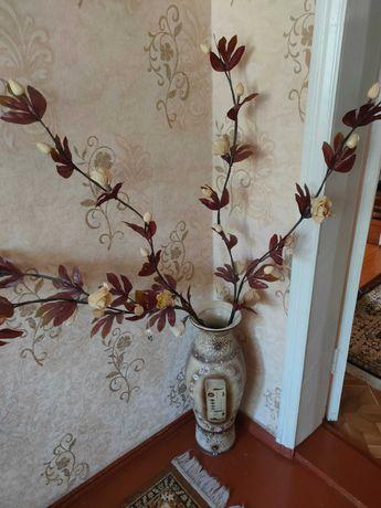 Ваза напольная египетский стиль с цветами высота 65см