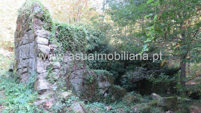 Terreno c/ Moinho p/ Restauro - Bouro  Sta Maria