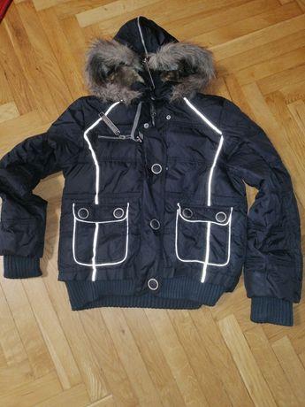 Коротка демі куртка розмір М-L