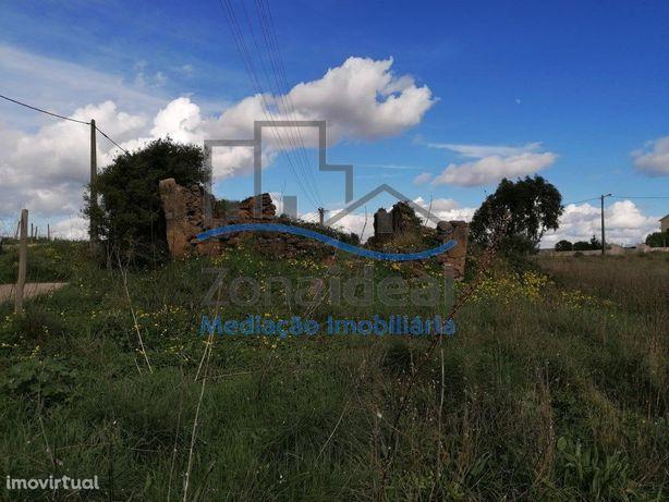 Casa em ruínas e terreno - Perto de Alenquer
