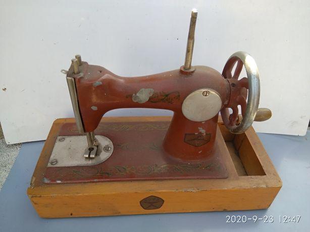 Швейная детская машинка СССР