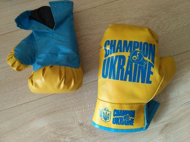 Боксерские перчатки, груша