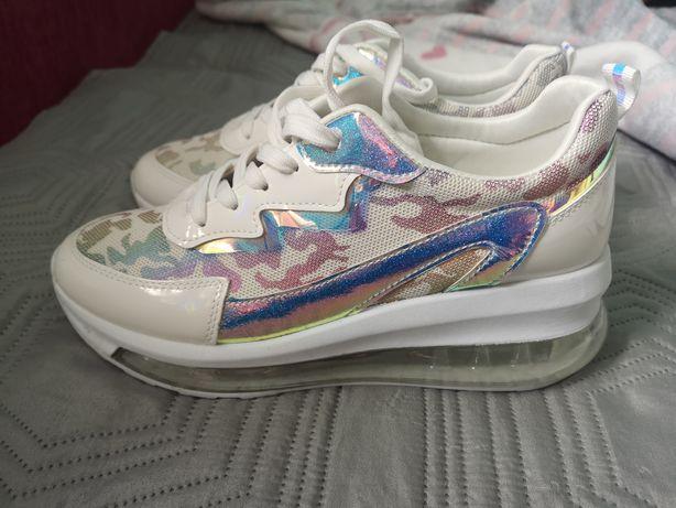 Sneakersy holo białe 41 26,5cm nowe