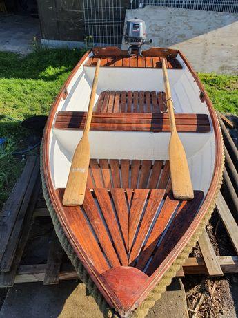 Łódka wędkarska, łódź motorowa, silnik do Łódki zarejestrowana