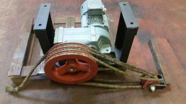 Napęd wyciąg zgarniacz obornika koło linowe lina parciana stalowa