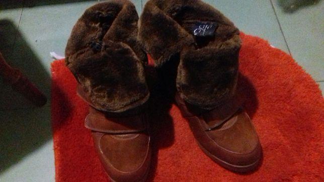 Продам ботинки женские -сникерсы зимние.