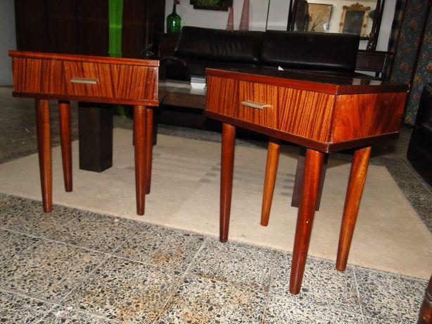 Mesas de cabeceira vintage - Bom estado geral - Valor unitário