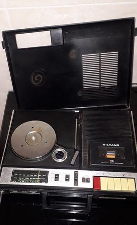 Vídeos, rádios e microondas