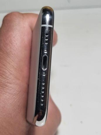Iphone 11 pro,64 отличное состояние,полностью рабочий.