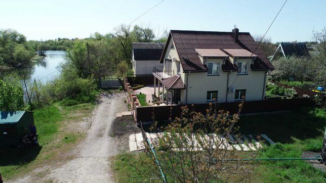Дом обл. Киевская, с. Рожны, СТ Трудовик, 137 м.кв на берегу залива