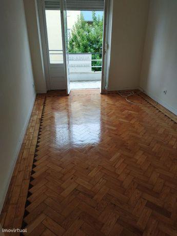 Excelente apartamento T2 em Almada