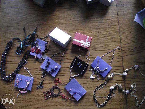 Biżuteria Avon komplety,naszyjniki,kolczyki