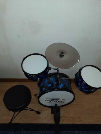 Дитяча барабанна установка First Act