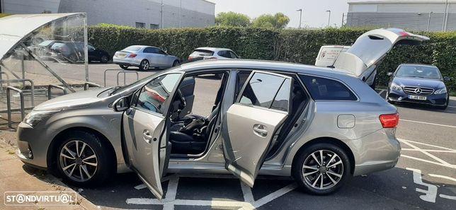 Toyota Avensis SW 2.0 D-4D Luxury+GPS
