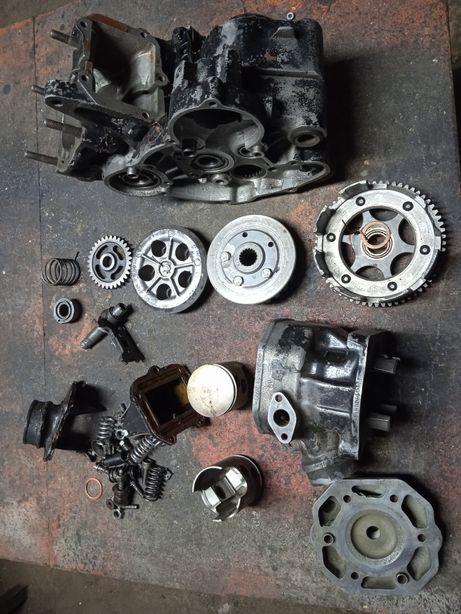KTM 125 silnik skrzynia cylinder kartery głowica chłodnice łańcuch