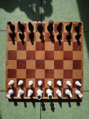 Шахматная доска СССР - 40х40 см. Полный комплект фигур.