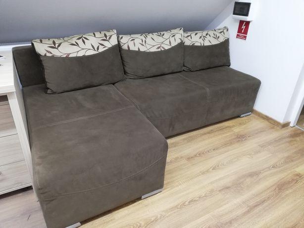 Duża kanapa narożnik brązowa - rozkładana