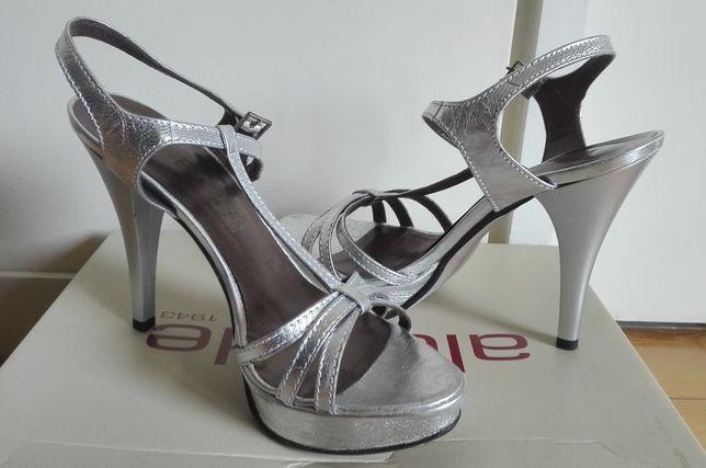 Sandálias salto alto prateadas - 37