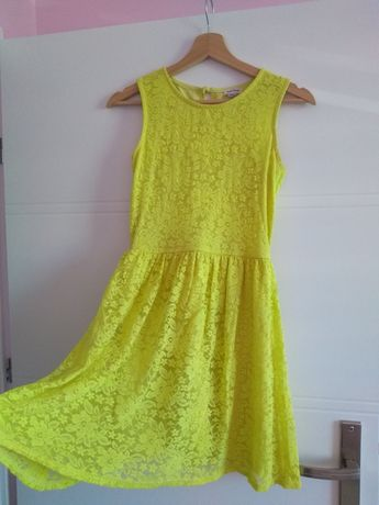 Żółta jaskrawa sukienka koronkowa 34 xs hm