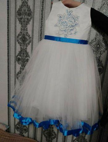 Пышное белое нарядное платье для девочки 4-5-6л на выпускной свадьбу