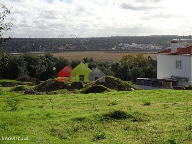 Terreno urbano para venda para construção de moradia geminada   Olival