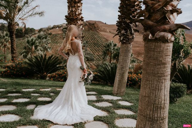 ELEGANCKA suknia ślubna Justin Alexander 9894
