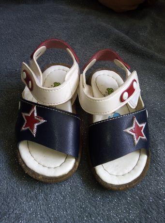 Детские сандалы