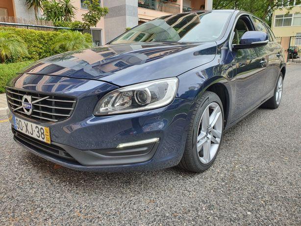 Volvo plug-in hybrid V60 285 cv