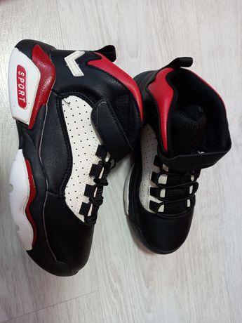 Кроссовки размер 33 34 36 ботинки