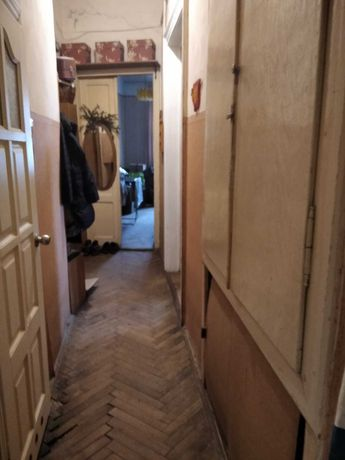 Продам 4 кімнатну квартиру, вул.Долинського