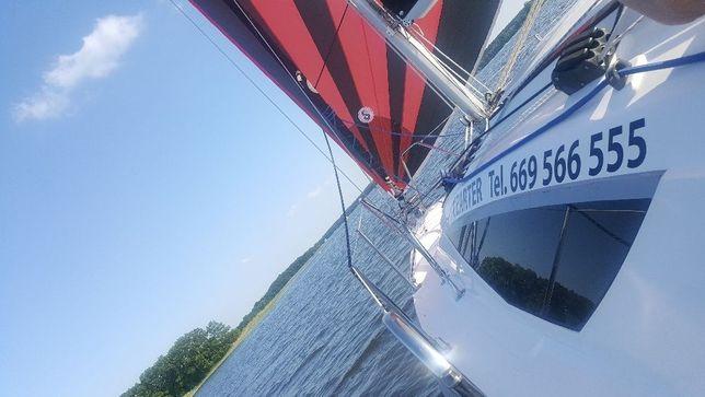 Czarter jachtu Maxus22 z ogrzewaniem    Jeziorak