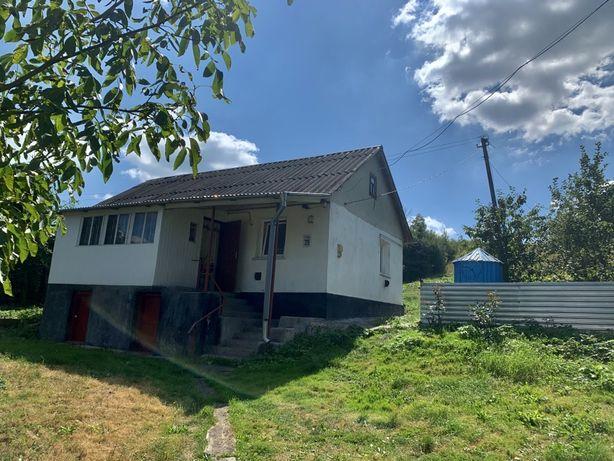 Будинок в селі Бережанка