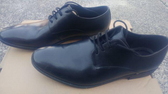 Mega buty Clarks r.43 cena w sklepie 400 zł