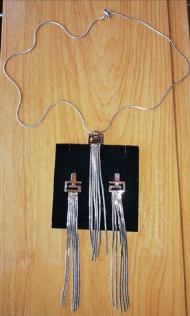 Набор: кулон на цепочке и серьги
