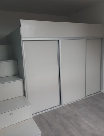 Garderoba antresola szafa łóżko
