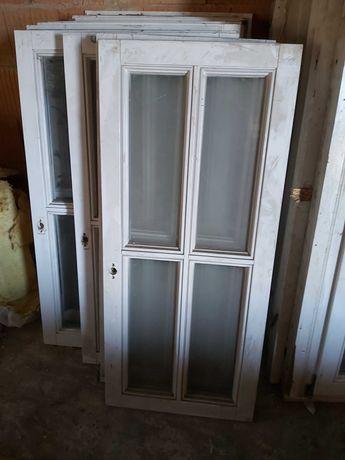 Okna (różnej wielkości)