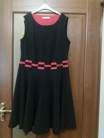 Сукня в ідеальному стані.Платя на 50-52 розмір
