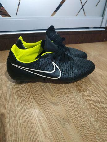 Продам бутсы Nike Magista