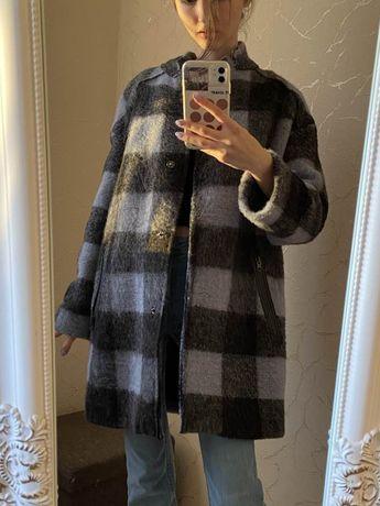 Весеннее пальто Benetton Zara Mango пуховик Ostin